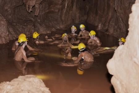 Tour động Thiên Đường – Kayal sông Chày, Hang Tối – Ziplite tắm sông
