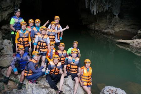 Sông Chày Hang Tối – Địa điểm không thể bỏ qua khi đến Quảng Bình