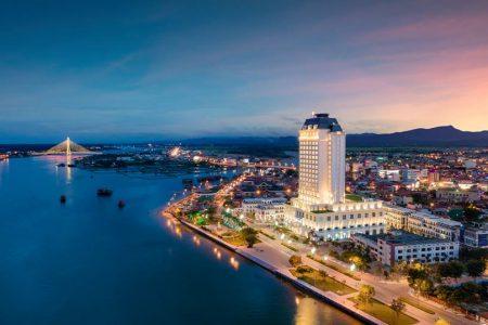 Tour Quảng Bình 3N2Đ: Nghĩ dưỡng tại Vinpearl