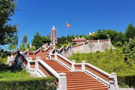 Các điểm du lịch văn hóa tâm linh nổi tiếng ở Quảng Bình